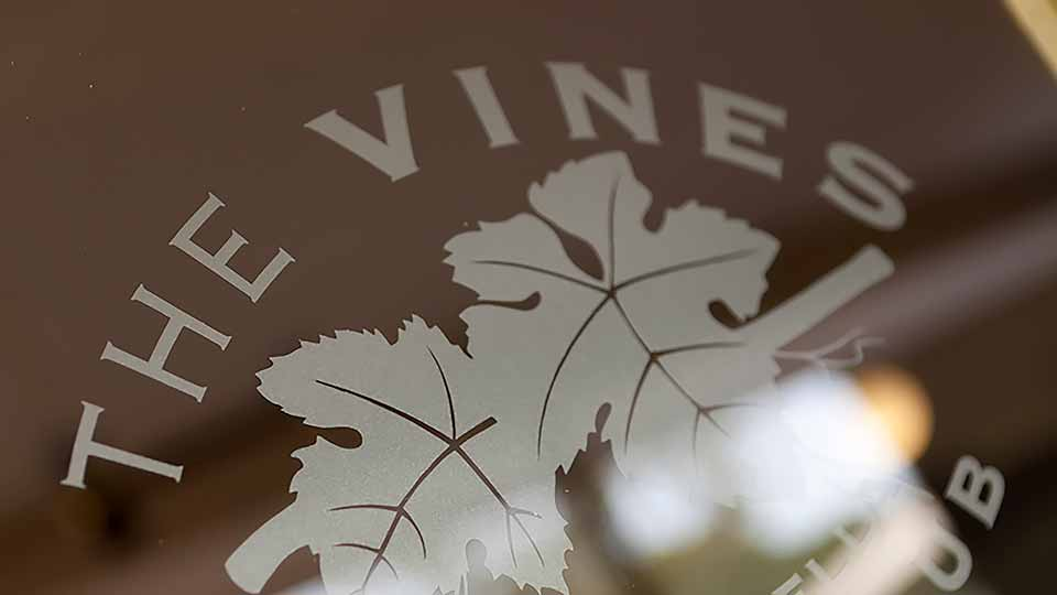 the-vines-golf-club-of-reynella-logo